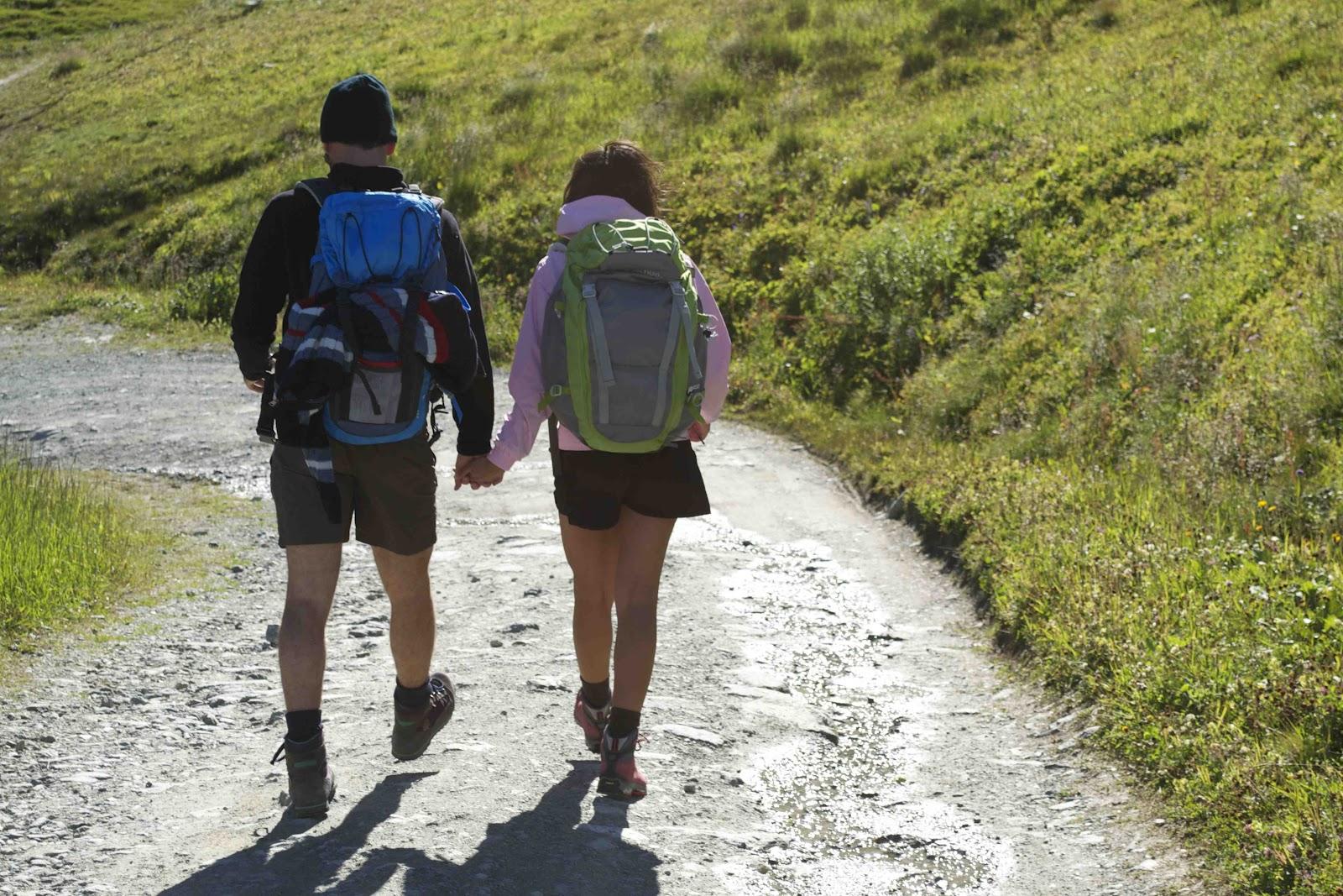 non-ho-bisogno-di-te-camminiamo-insieme